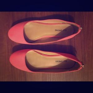 Pink flat comfortable shoes